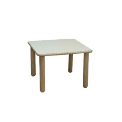 tavolo-asilo-nido-scuola-d'infanzia-merlino